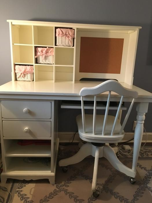 Pottery Barn Desk And Chair