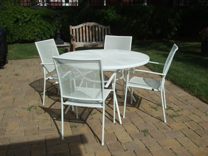 Outdoor White Mesh Metal Table Chairs