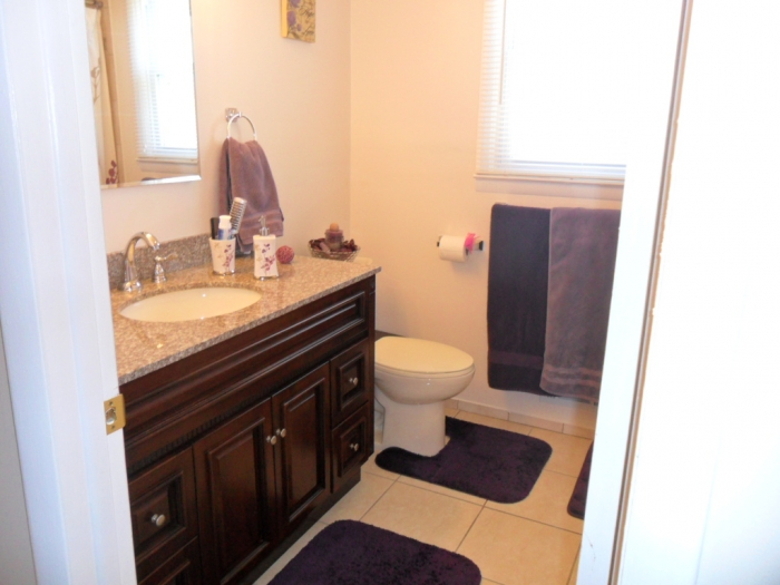 bedroom 2 5 bath updated colonial in battle hill section